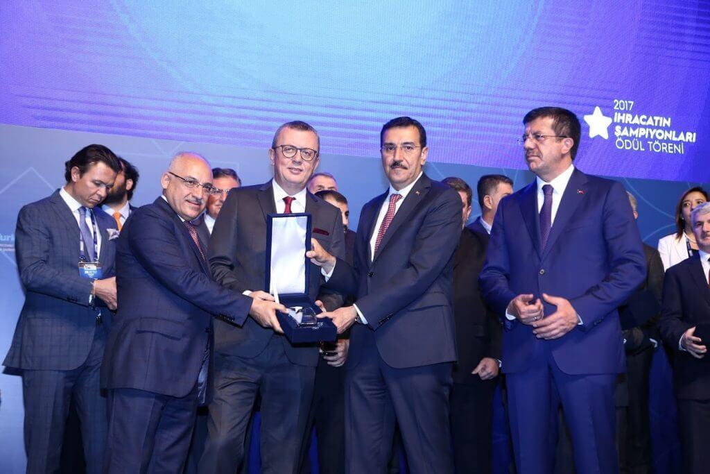Sektör 1.'si olan Banvit'e TİM'den Ödül